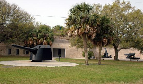 Fort Desoto - big guns